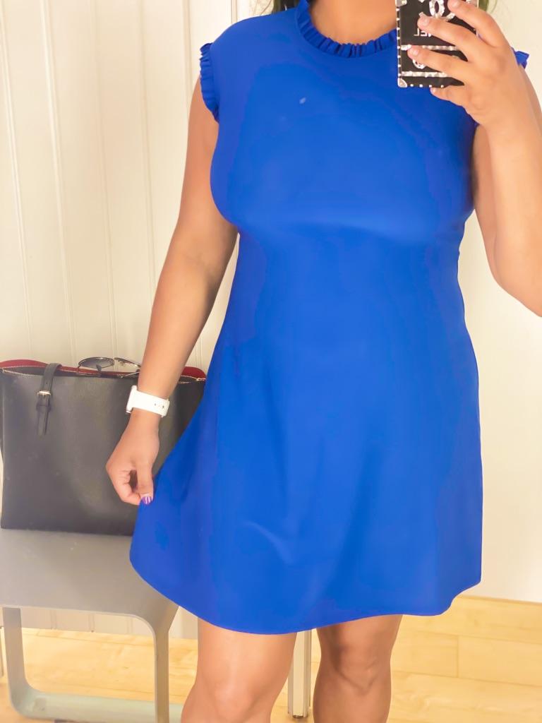 blue sleeveless formal mni dress.